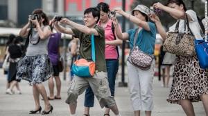 130517141050-china-tourists-hong-kong-camera-story-top