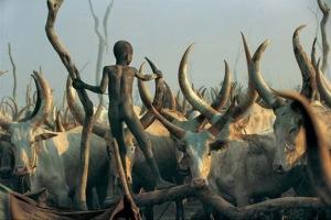 Impresionantes-imágenes-de-una-tribu-de-Sudán-23